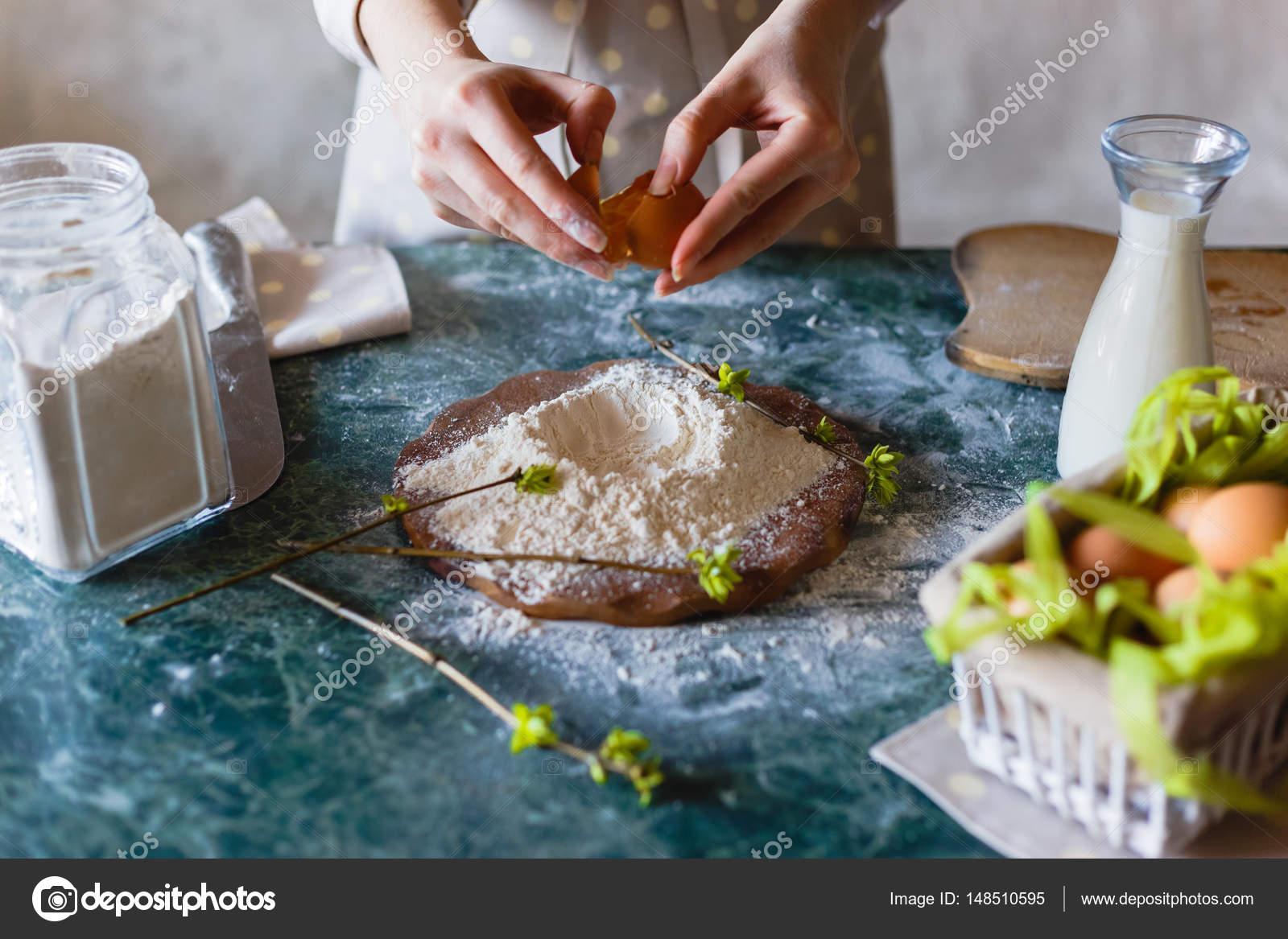 Chiuda Sulla Vista Di Baker Impastare Pane Fatto In Casa Mani Di