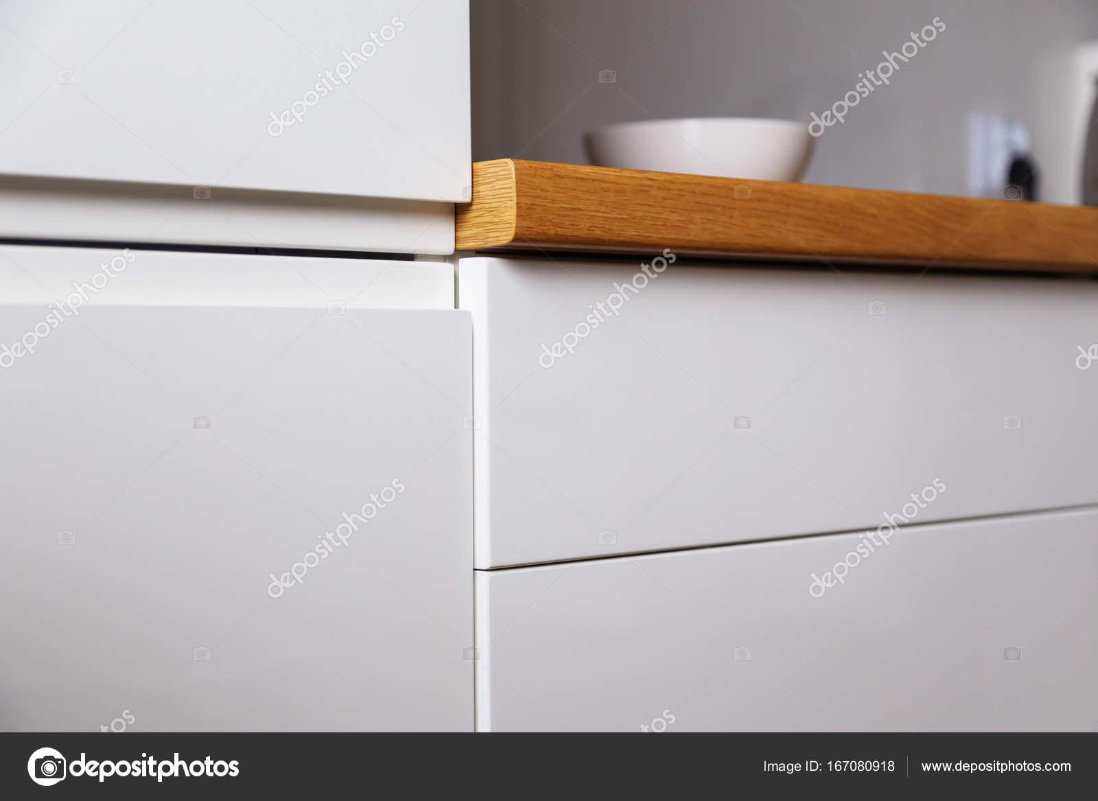 Mobili da cucina senza maniglie con sistema push — Foto Stock ...
