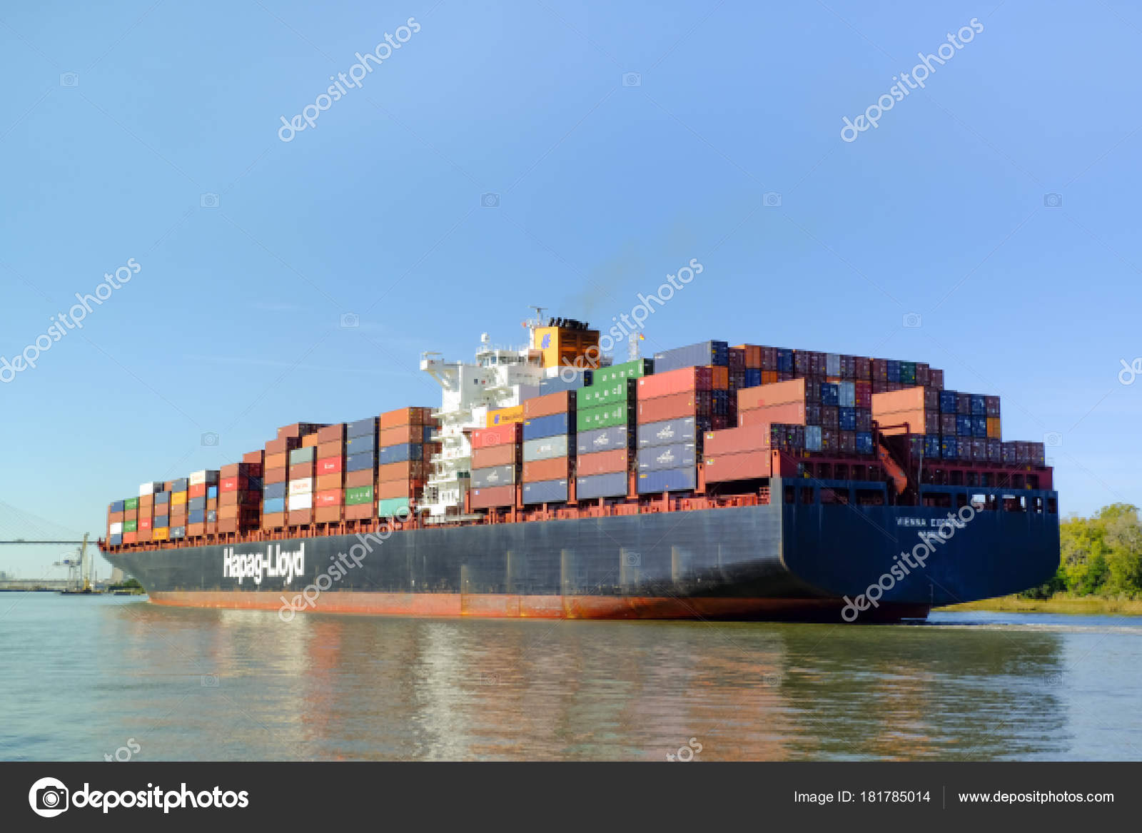 Huge container ship – Stock Editorial Photo © irkin09 #181785014