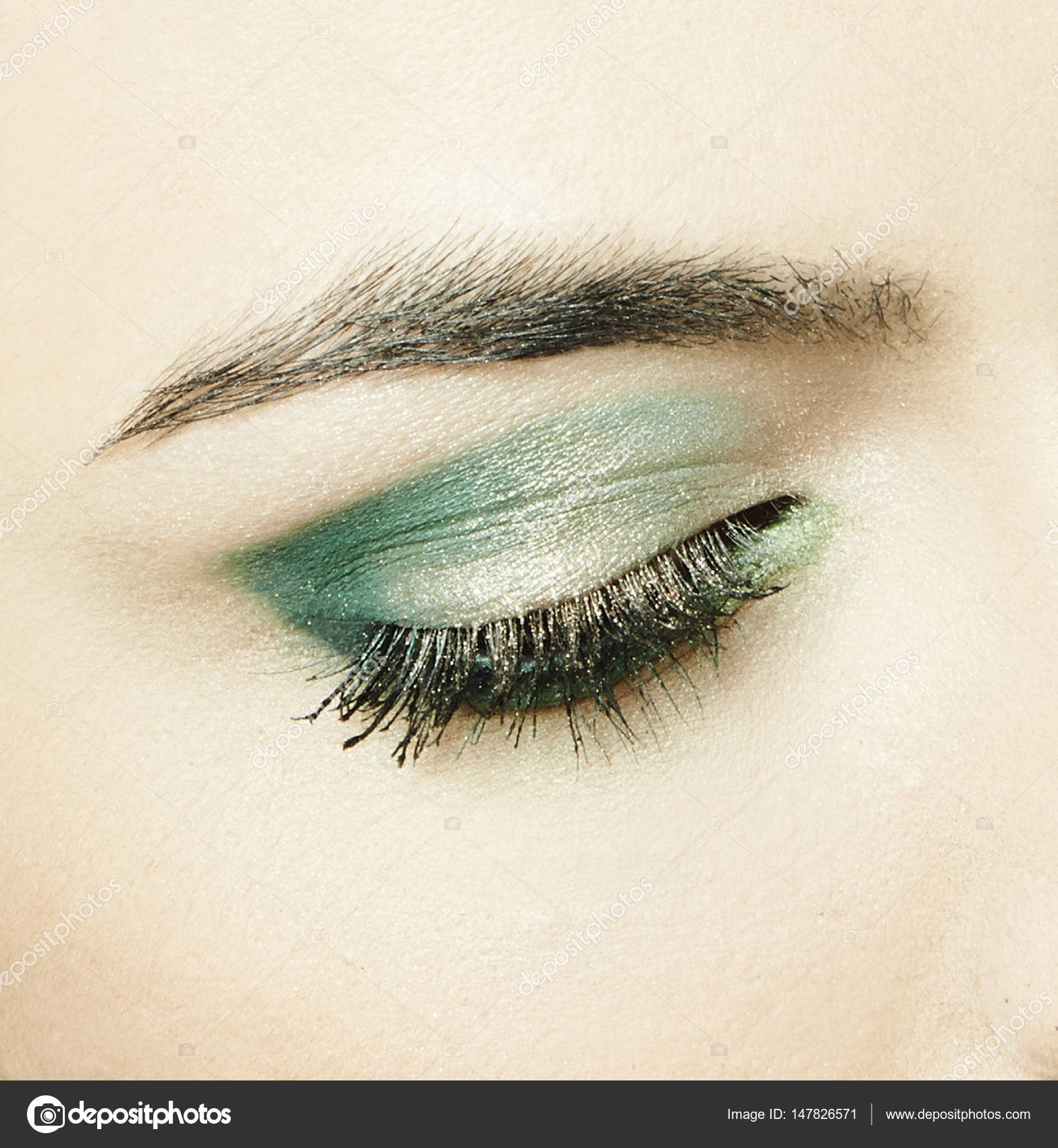 Auge Mit Grunen Lidschatten Stockfoto C Annadeba 147826571