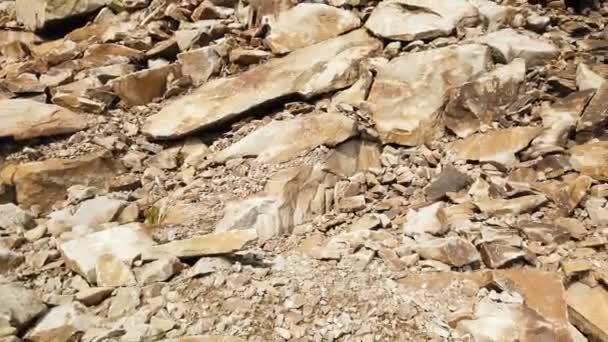 Krajina údolí Kamenných hor. Velké kameny v horách