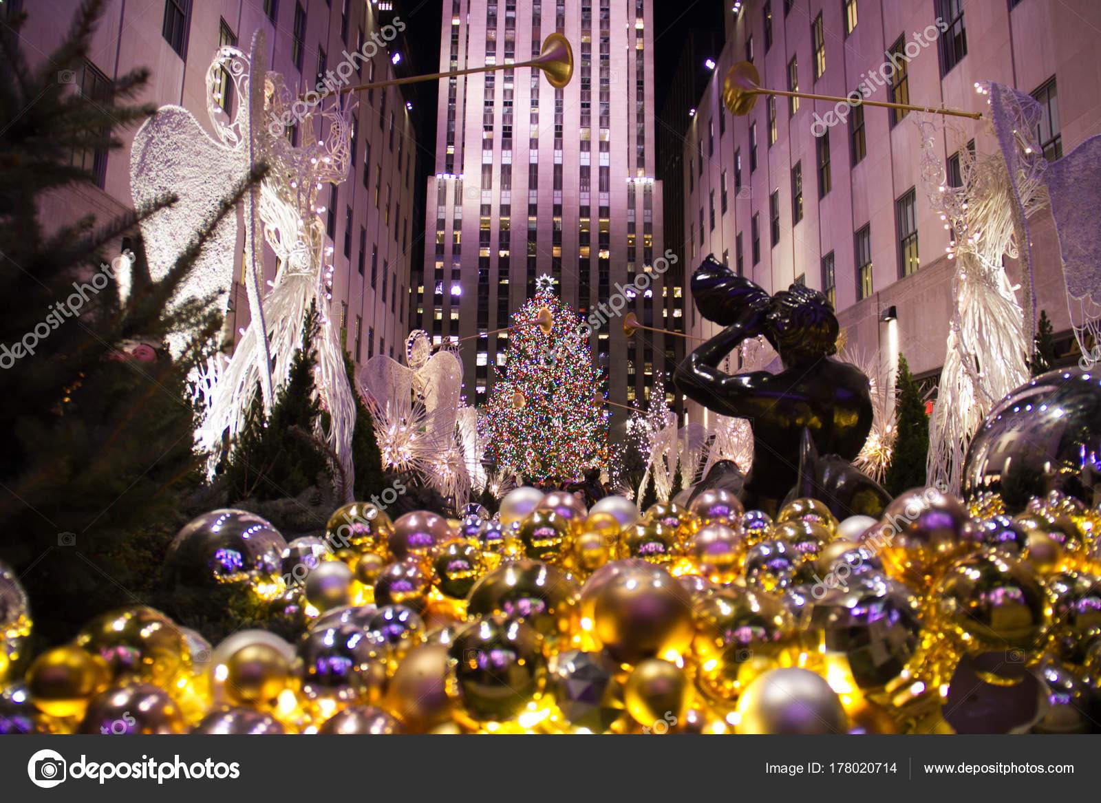 Weihnachtsbaum Rockefeller Center.Manhattan New York Dezember 2017 Verzierte Brunnen Und