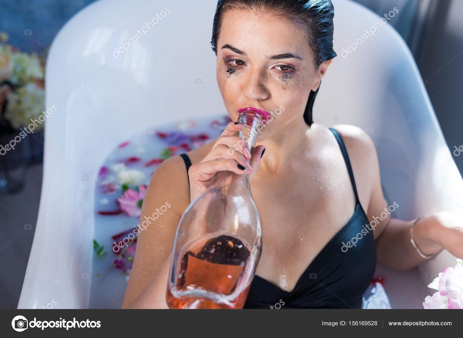 meleg fürdő szexlányok, akik szeretik a fekete faszot