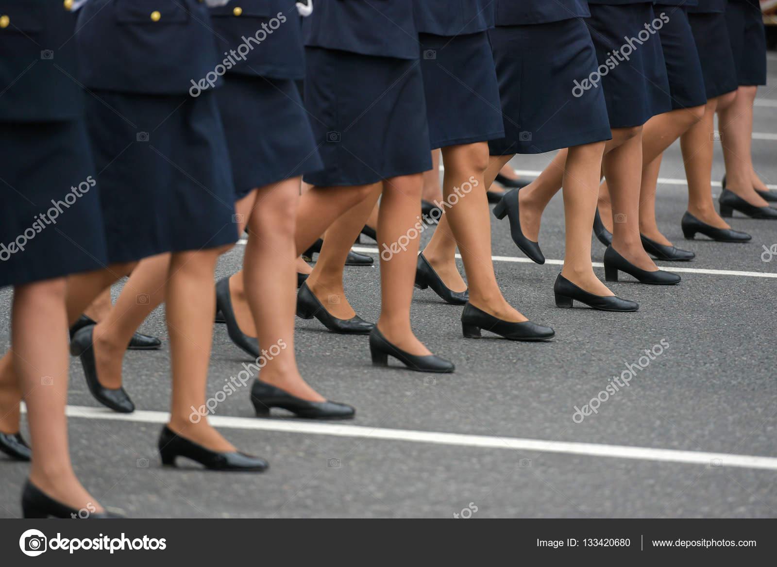 Wiersz Z Nogi Kobiety Zdjęcie Stockowe Anvmedia 133420680