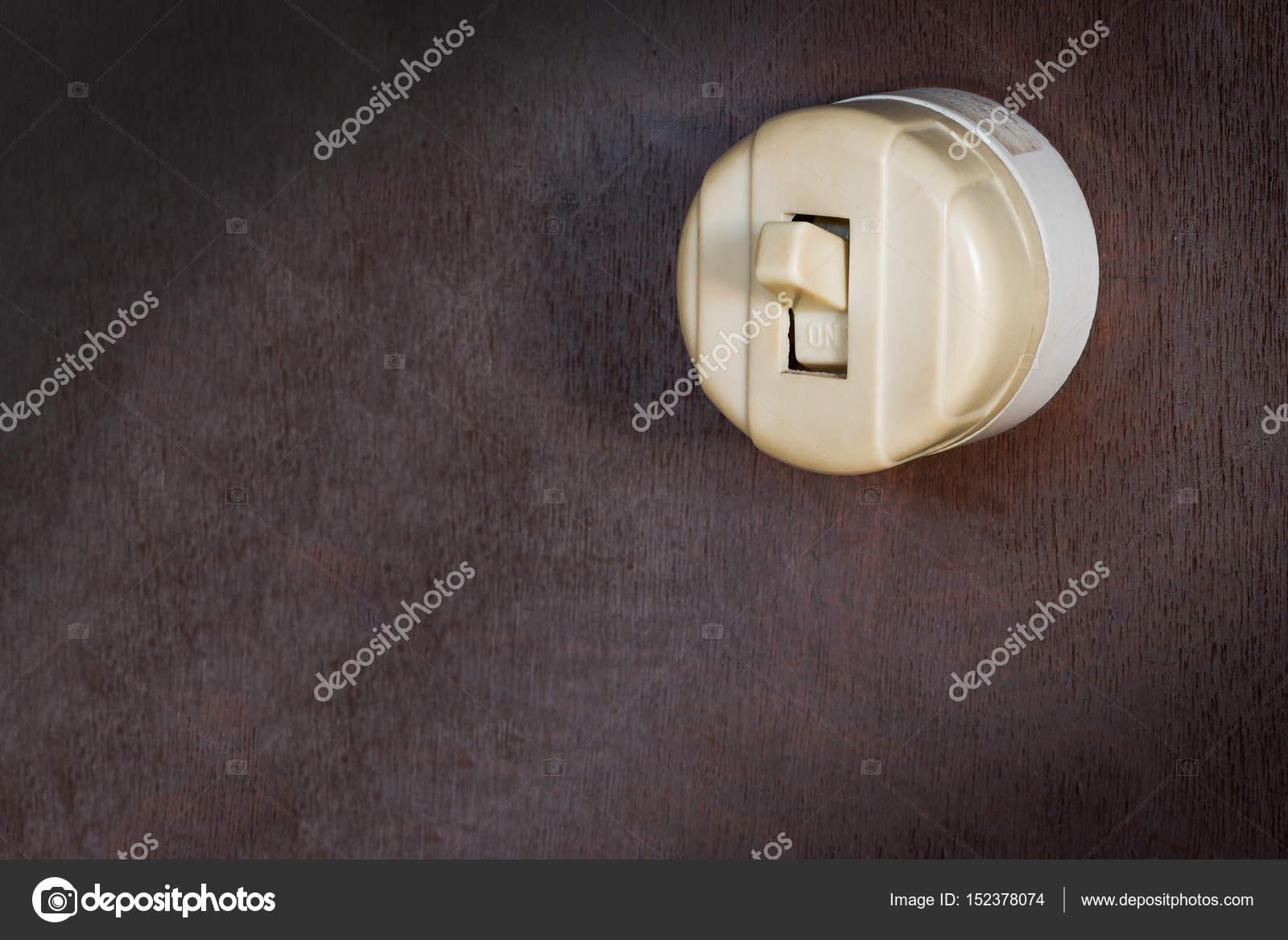 Alten klassischen Vintage elektrische schalten Sie alte Holzwand mit ...