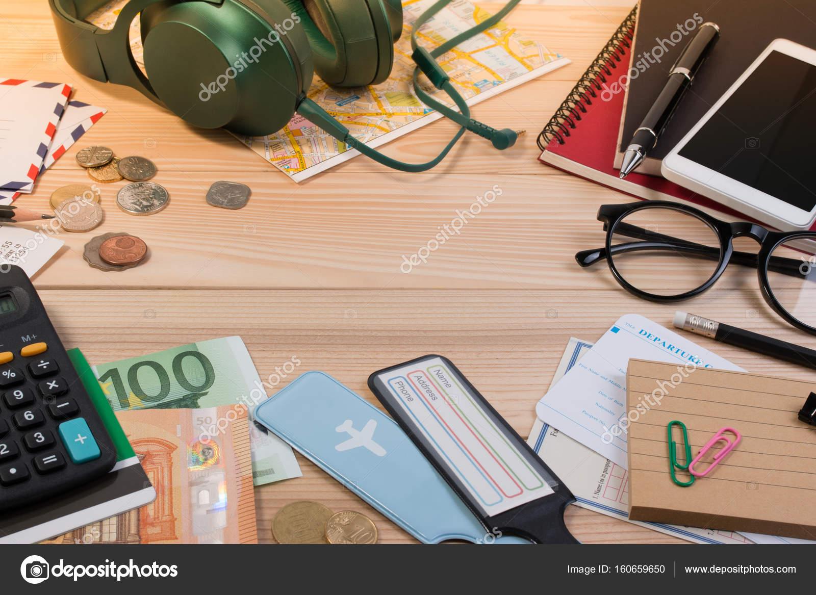 Passeport monnaie billet en euros casque passeport carte