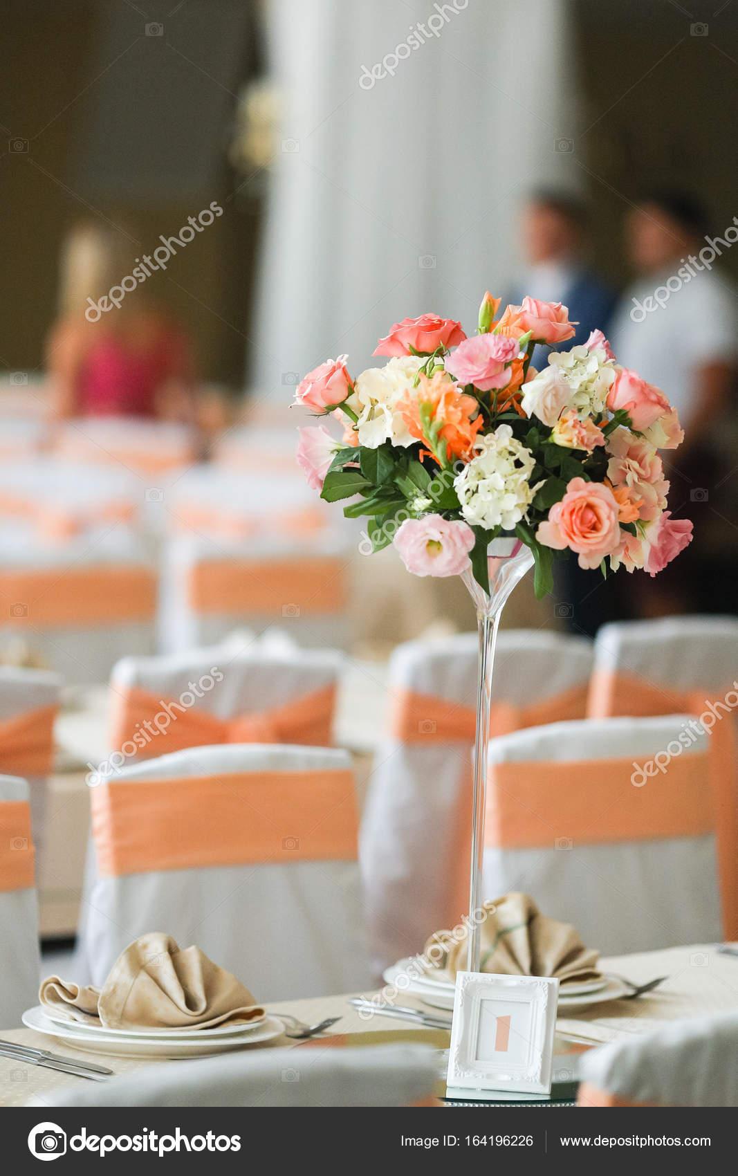 Wedding decoration in peach color — Stock Photo © y.parfyonova.yandex.ua  #164196226