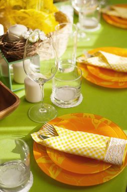 Bright spring table setting