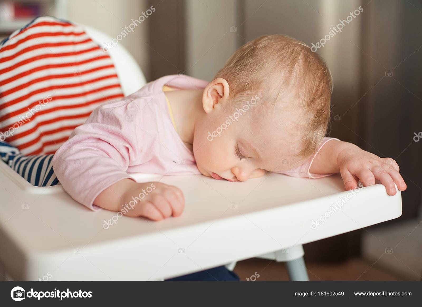slapen na eten