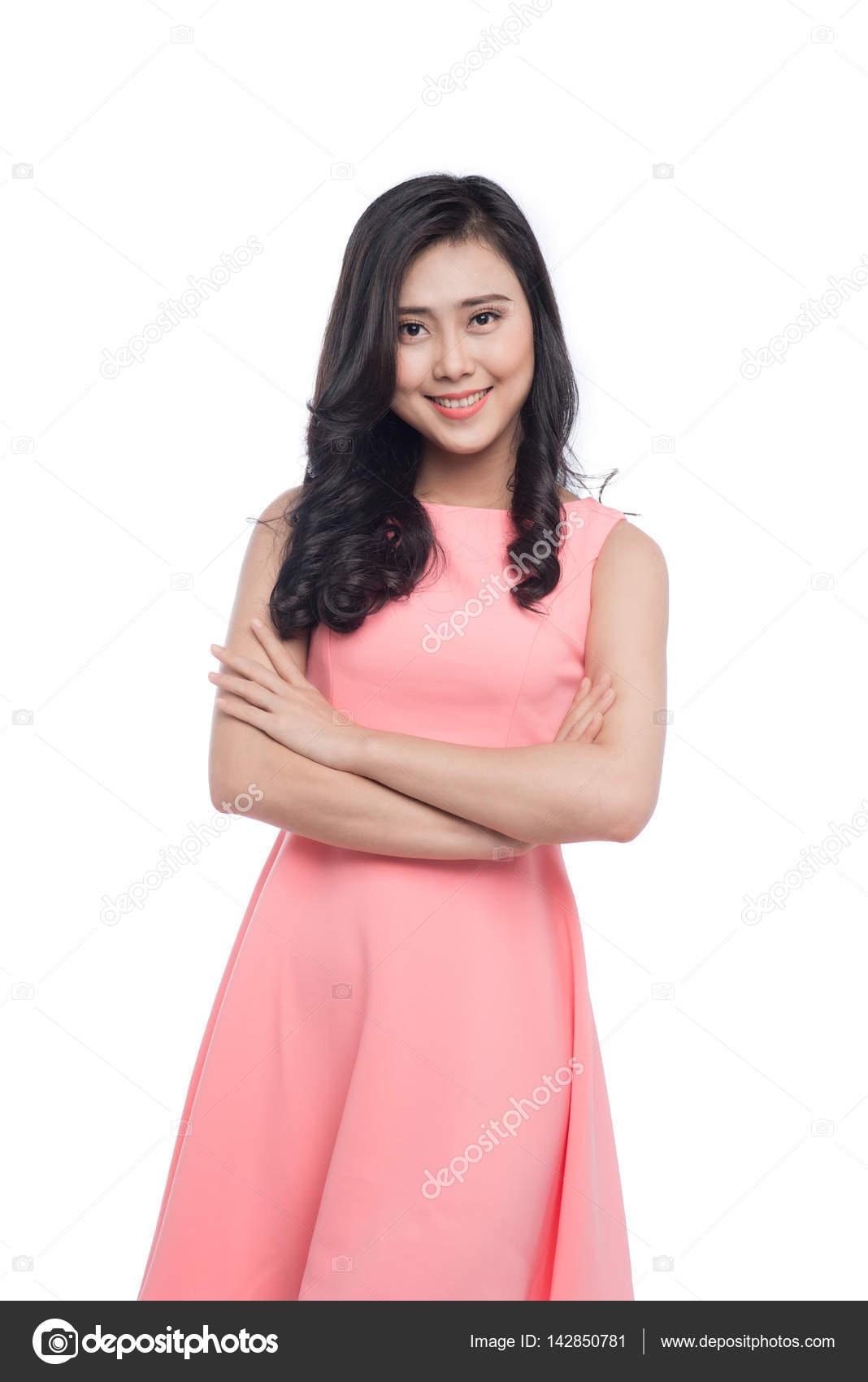 mujer con largo cabello negro en vestido rosa — Fotos de Stock ...