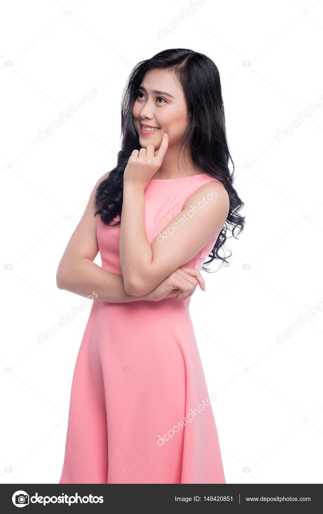 Asia mujer hermosa joven con largo cabello negro en vestido rosa de ...