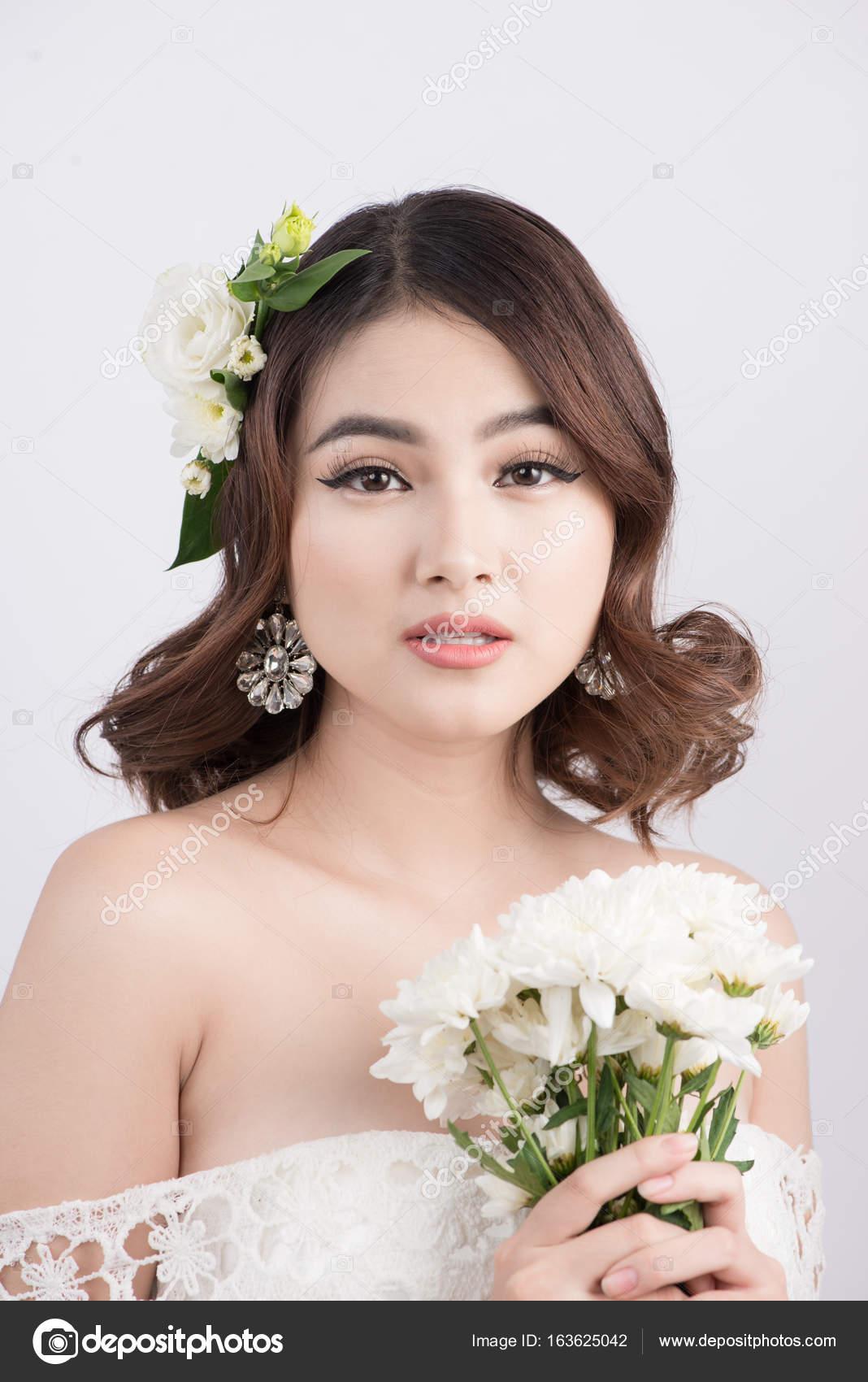 asian-lady-bride-in