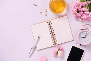 Wedding to do list with flowers. Mockup planner flat lay.