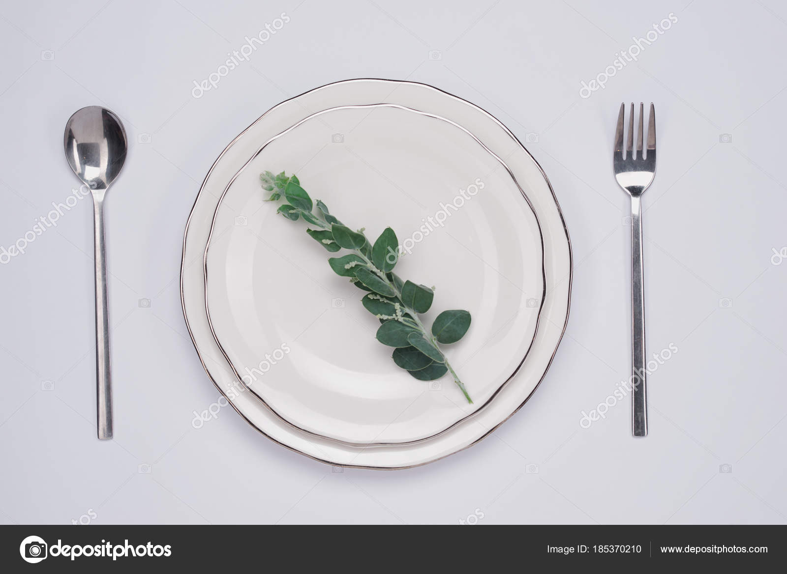 Dinner Plate Setting Top View Empty Plate Silverware Set Wooden u2014 Stock Photo  sc 1 st  Depositphotos : dinner plate setting - Pezcame.Com