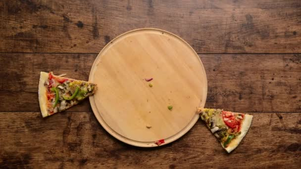Disappearing pizza Hands taking all the pieces Stop motion animation