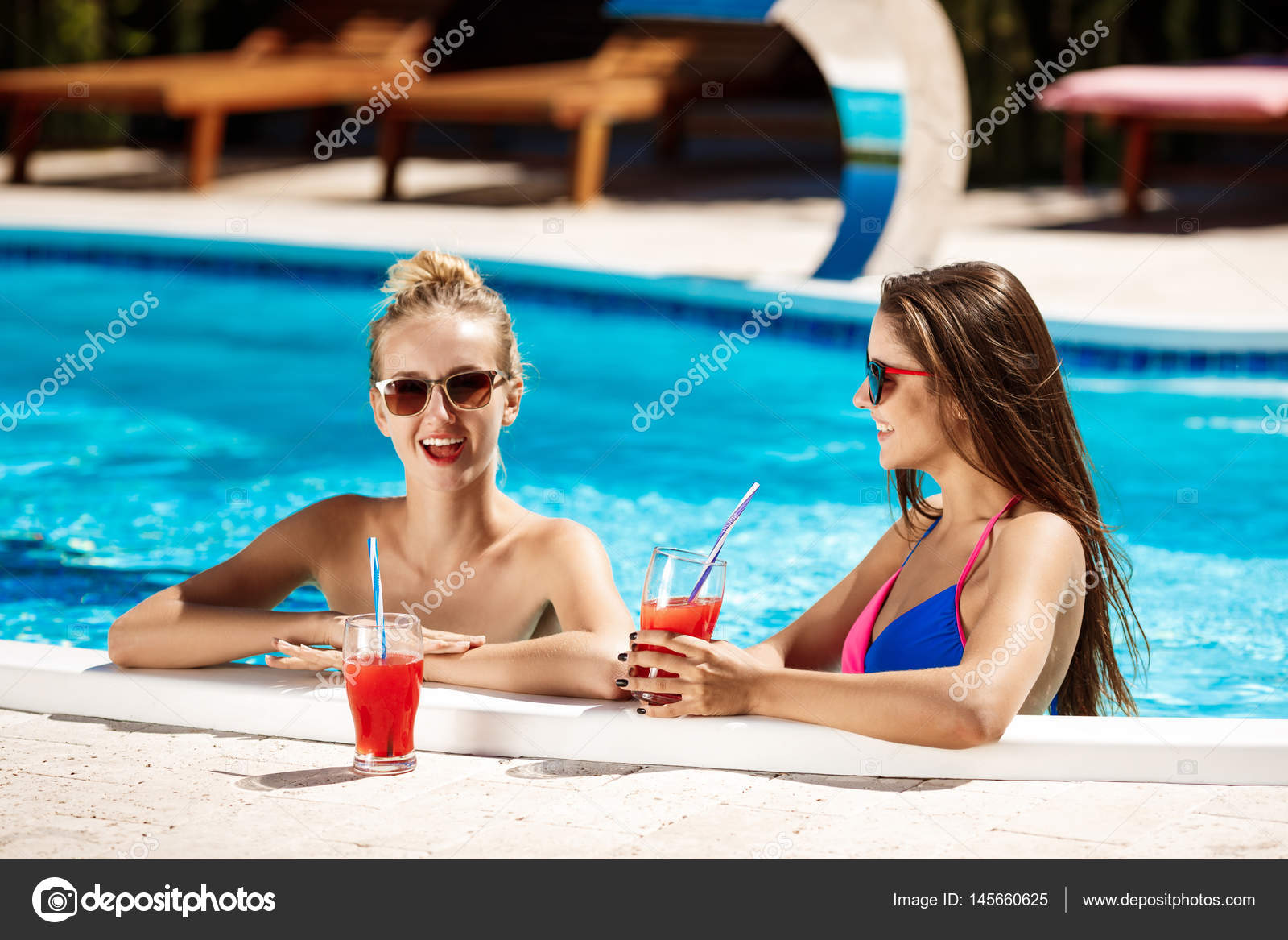 Русские девушки бассейне фото 287-722