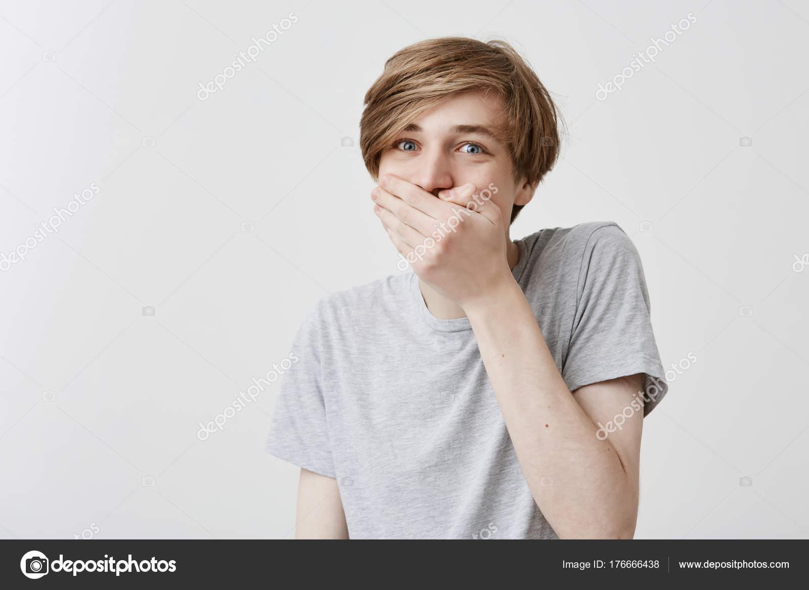 Frustriert Verwirrt Schockiert Männchen Mit Blonde Haare Und Blaue