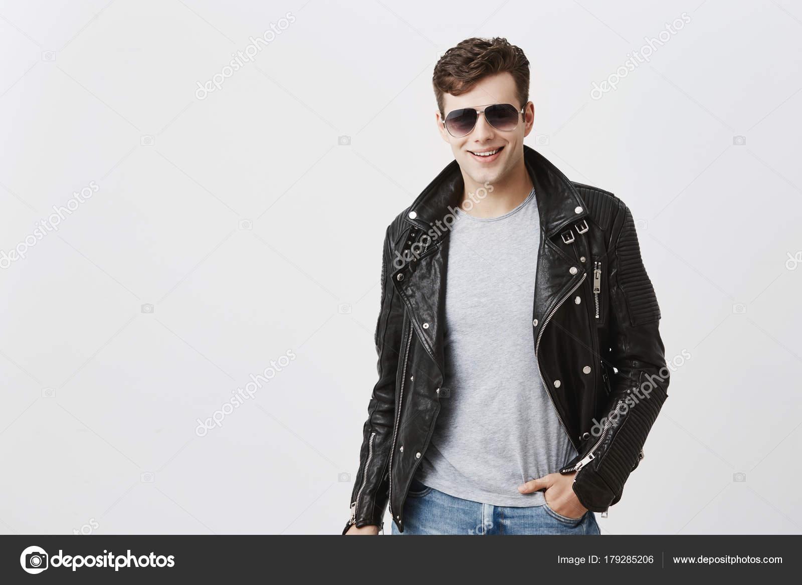 Atractivo Caucásico Amplia Hombre Con Una Sonrisa Aspecto gPwgt4S