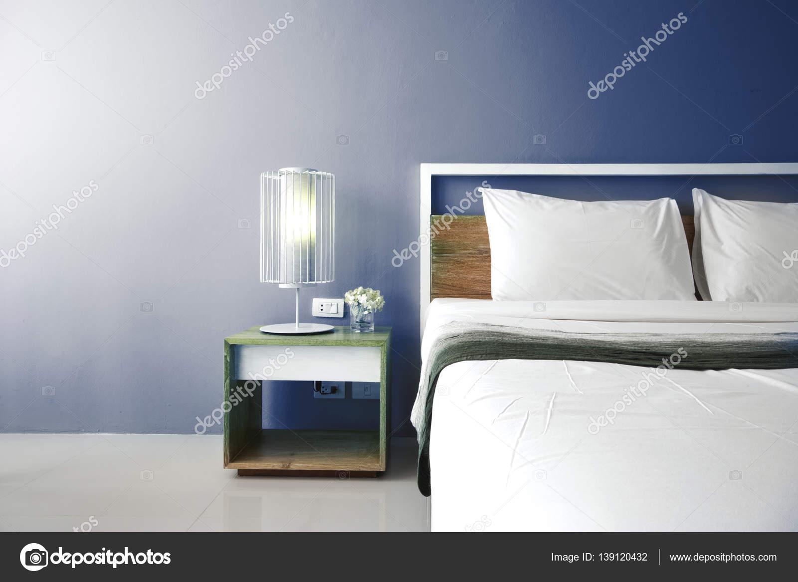Design moderno camera da letto, letto matrimoniale — Foto Stock ...
