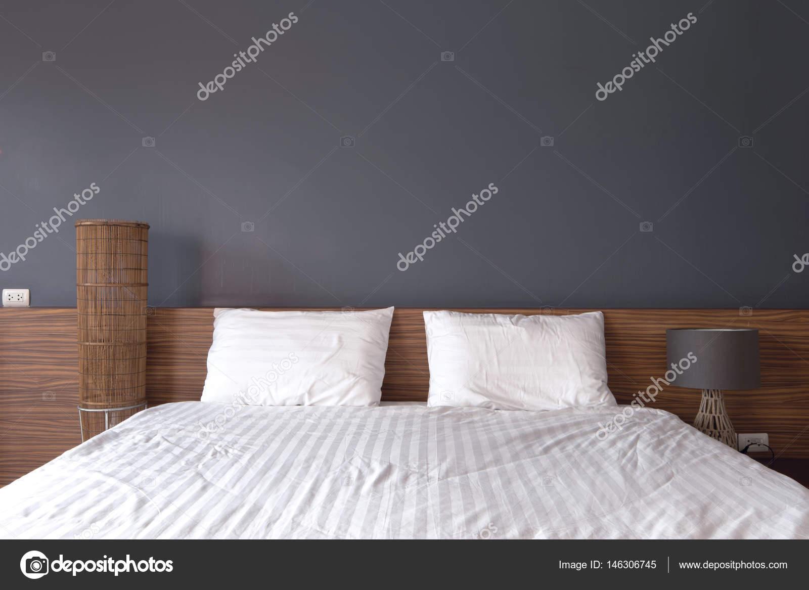 Letto Imbottito Piedini Alti Eureka Bonaldo : Letti design moderno letto with