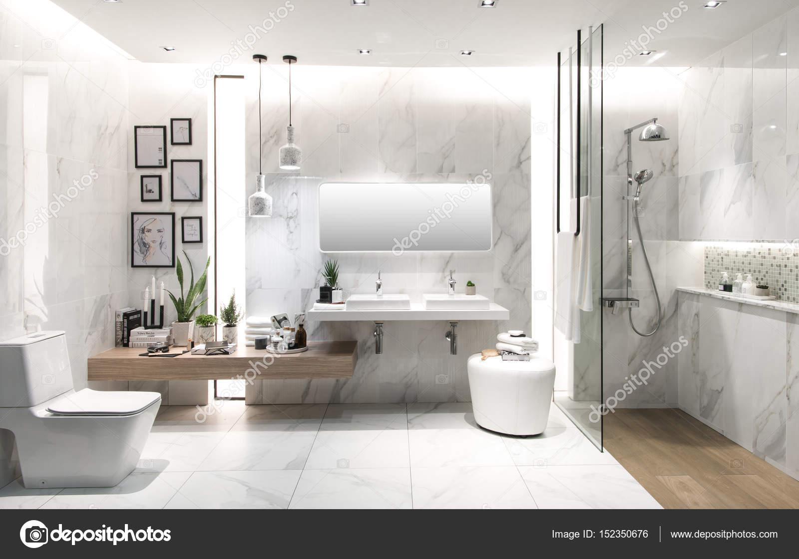 Imágenes: cuarto | interior de cuarto de baño con lavabo y grifo ...