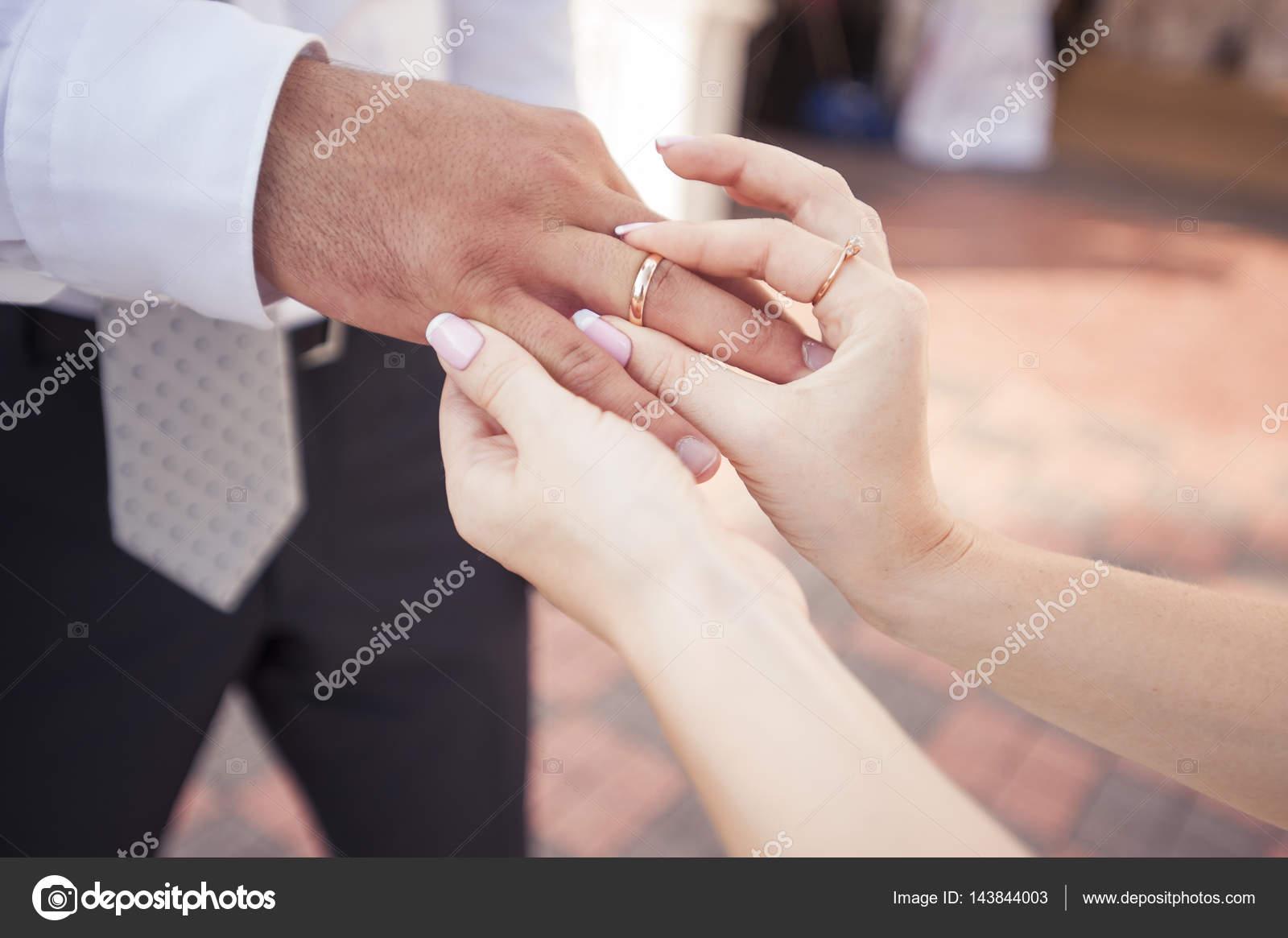 bride putting wedding ring — Stock Photo © alla.foto-alla.ru #143844003