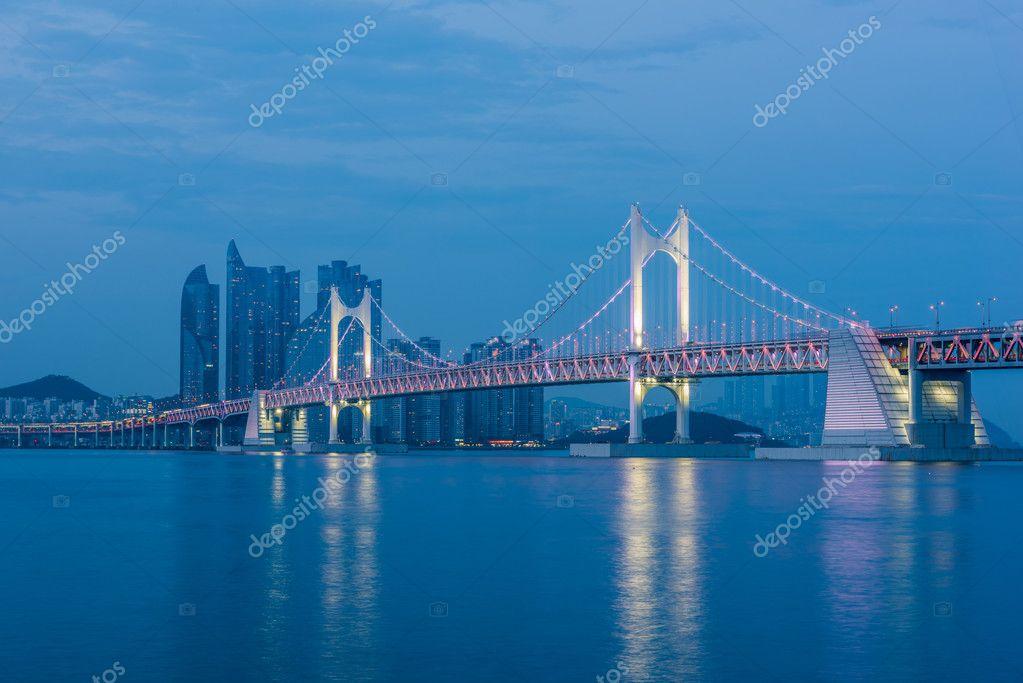 Ponte di gwangan a busan corea del sud foto stock for Piani di fattoria del sud
