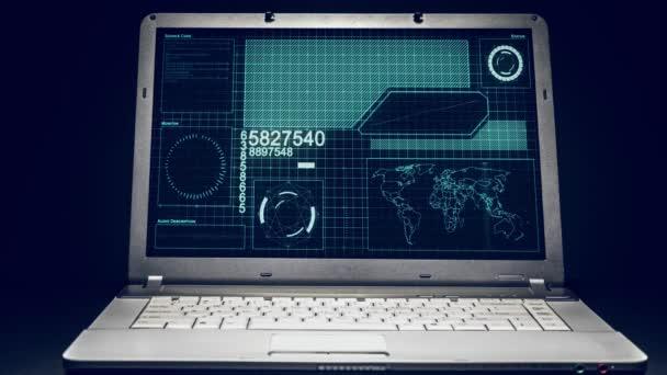 Obrazovka počítače přenosný Heads Up displej Hud sledování a analýze rozhraní sítě systému kybernetické bezpečnosti a zamezení hackingu 4k.