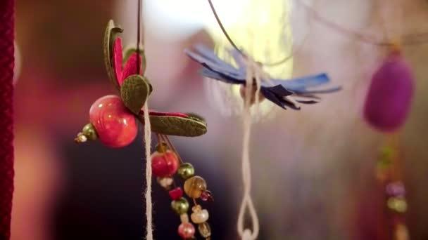Designer ručně vyráběné šperky z přírodních kamenů a dekorativní materiál
