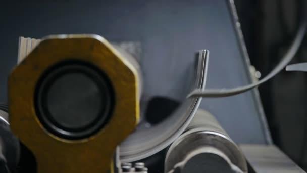 Moderní zařízení pro ohýbání plechu na kovoobrábění výroba