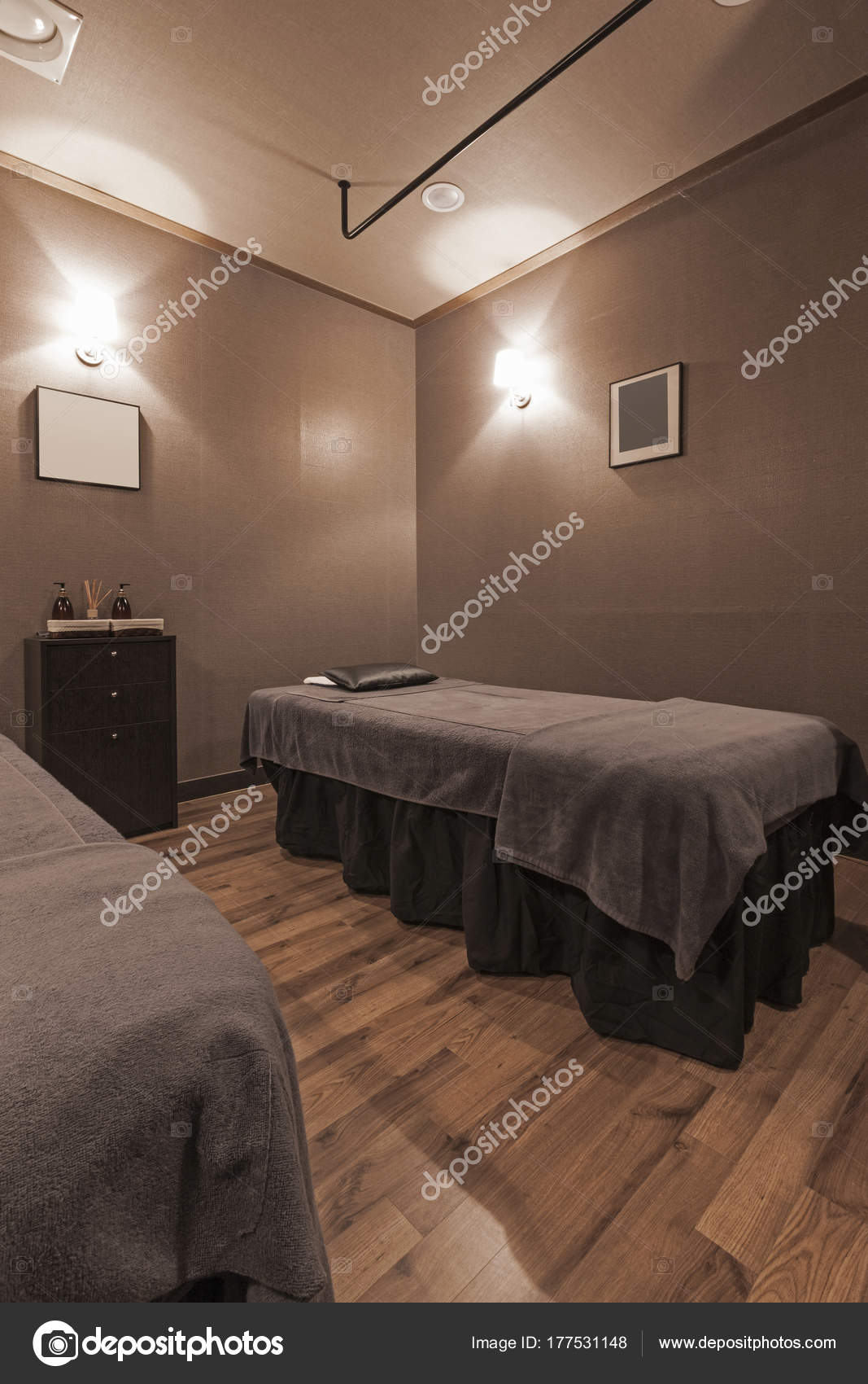 Massageraum luxus  Innere Der Massageraum — Stockfoto © earlyspring #177531148