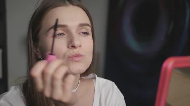 В рот красивой девушке видео — pic 2