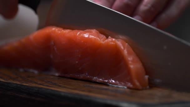 Свежие блюда сырой рыбы малабар ставриде здоровое питание диета.