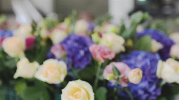 Složení moderní druhy květin na svatební obřad. Kytice hortenzie stylu