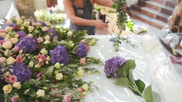 Arbeitsbereich Floristen Die Vorbereitung Zur Hochzeit Dekorieren