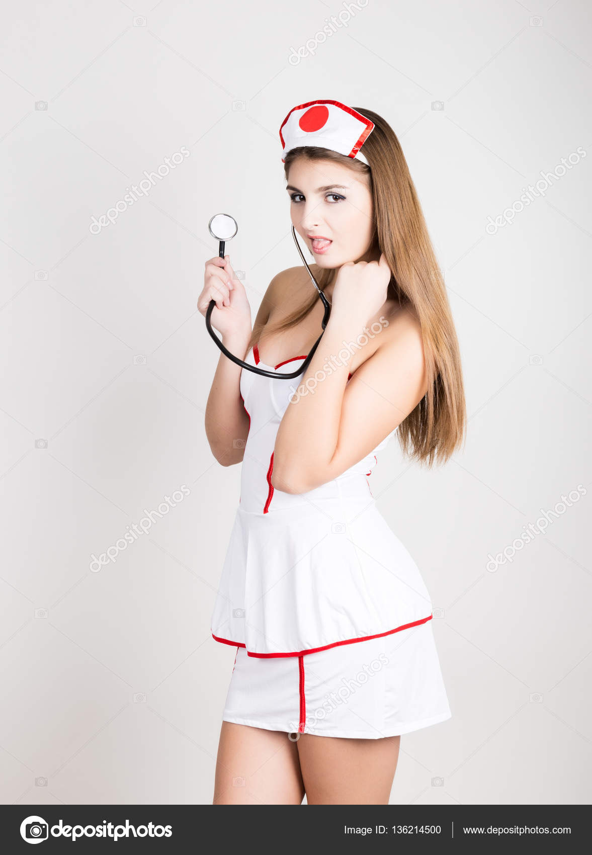 Сексуальной медсестрой