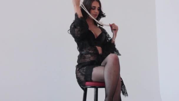 Мода бикини и чулках видео — img 3