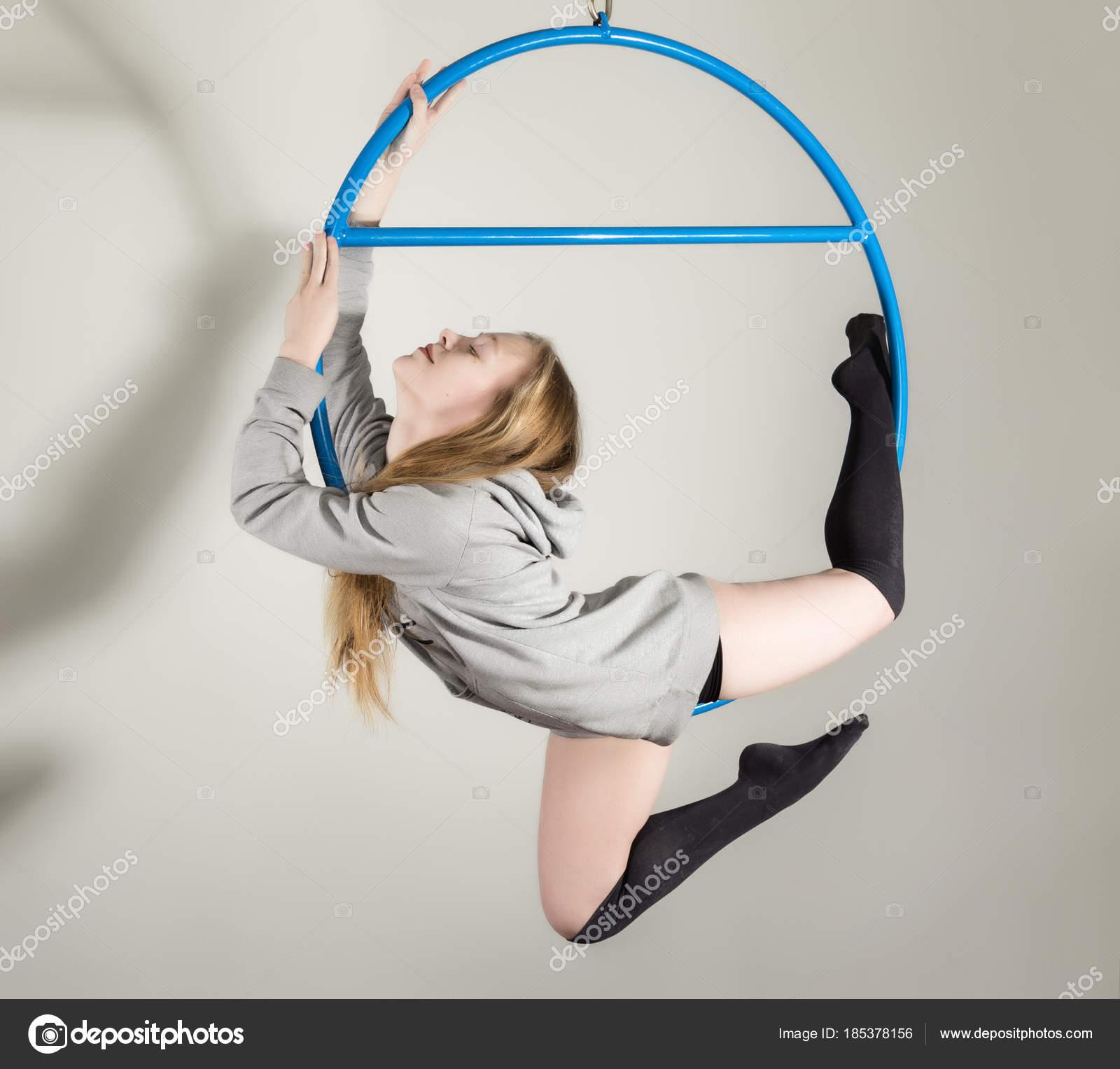 molodie-gimnastiki-foto-molodoy