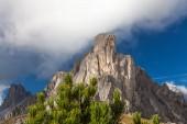 Maestosa roccia, Dolomiti, Italia