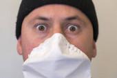 Schockiertes Gesicht. Virenschutzkonzept. Getönt.
