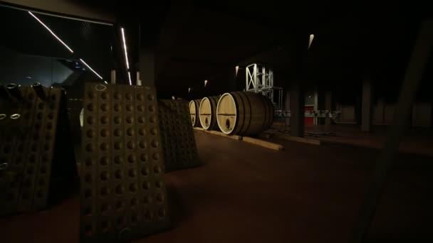 sudy, vinný sud vína ve věku