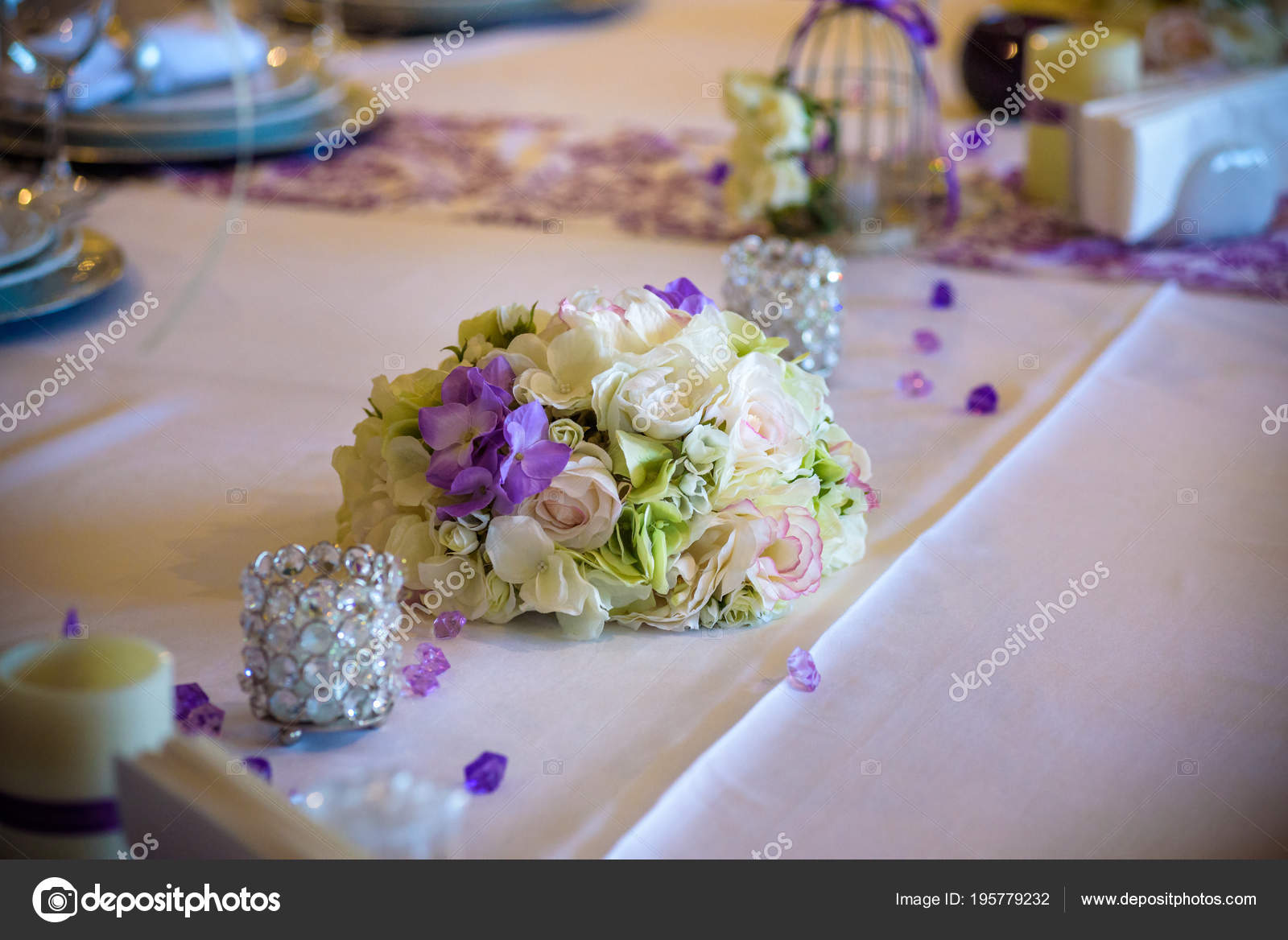 Table Setting At A Luxury Wedding Reception. Example Of Festive Decorating.  Real Flowers On Table For Bride And Groom. U2014 Photo By Pahis.ukr.net