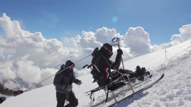 2014 07 mount Elbrus, Rusko: lezení na vrchol s průkazem ZTP.
