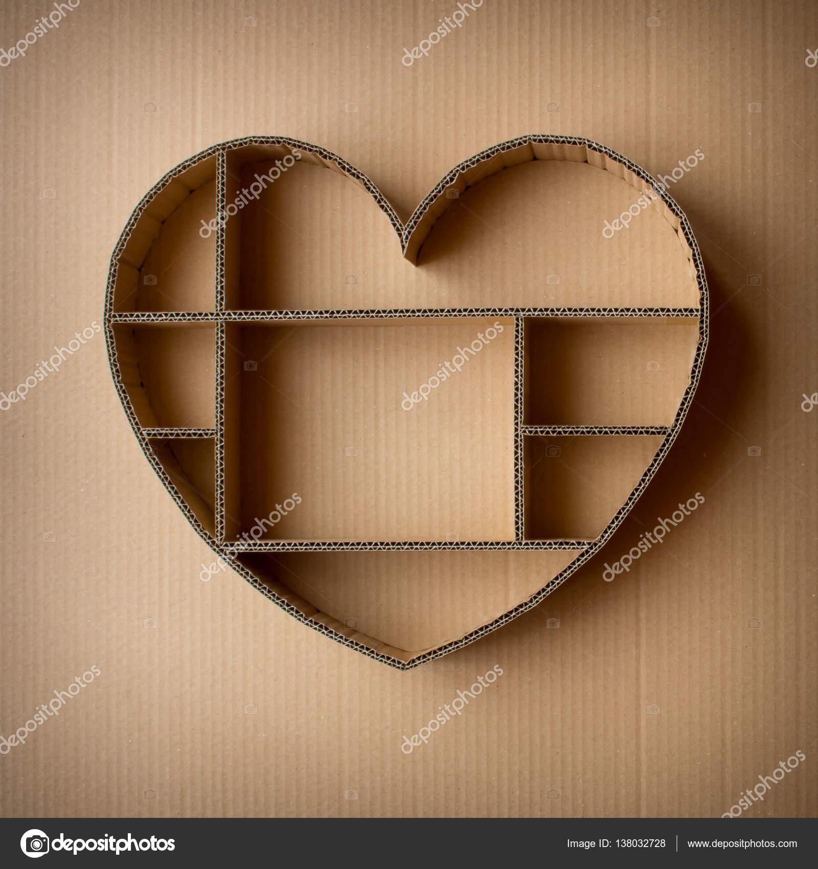 Caja de sombra en forma de corazón hecho a mano de fondo de cartón ...