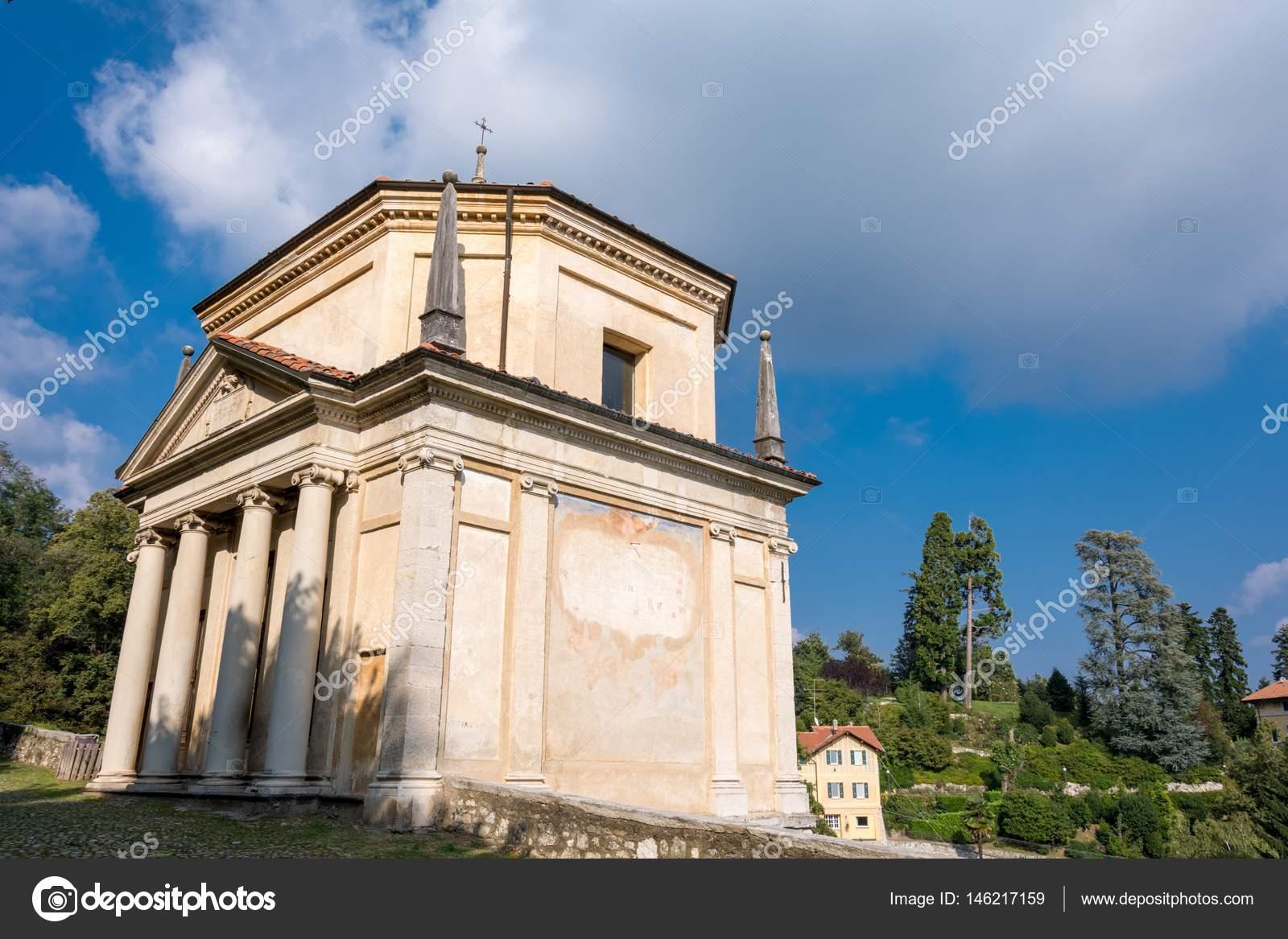 Tweede kapel op de Sacro Monte di Varese. Italië — Stockfoto ...