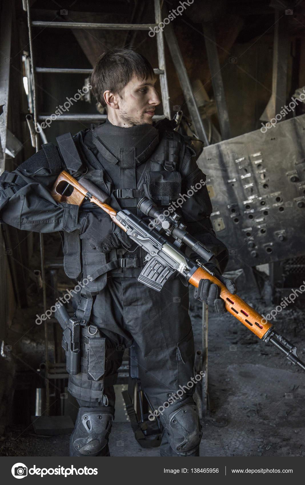 ロシアの特殊部隊「狙撃兵」の戦闘機が当番. — ストック写真 ...