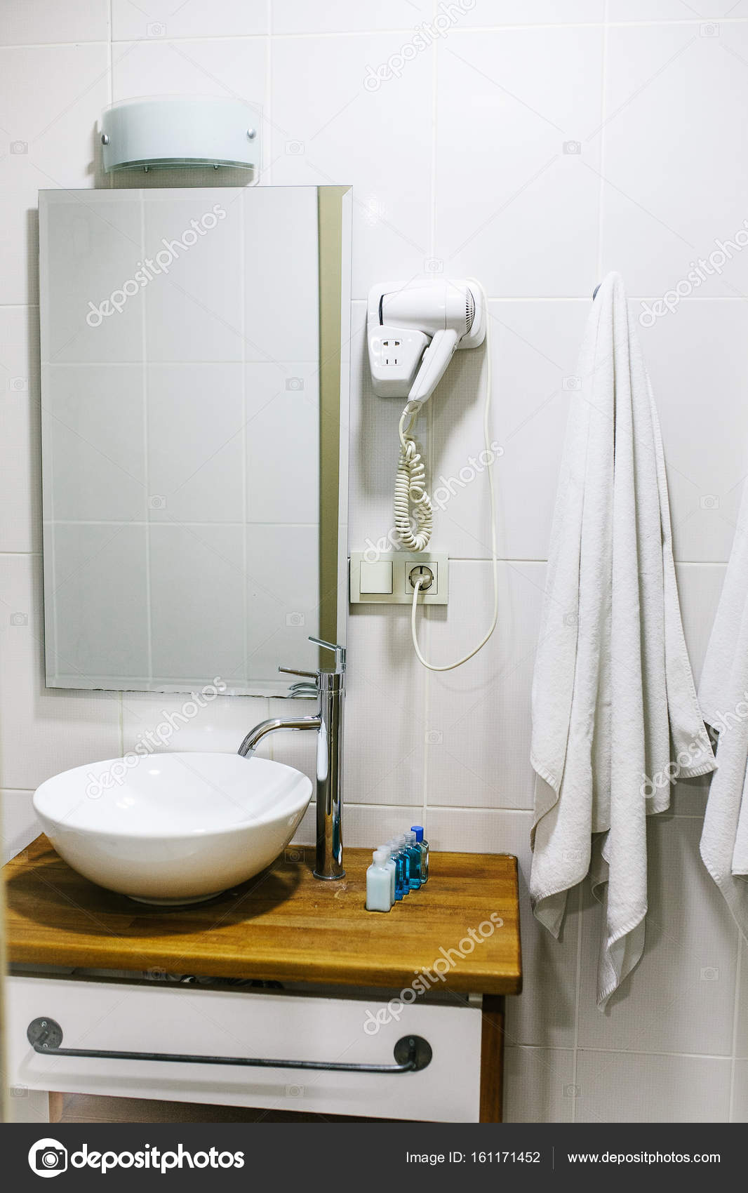 Accessoires Salle De Bain Bathroom ~ salle de bain l h tel avec tous les accessoires de salle de bain