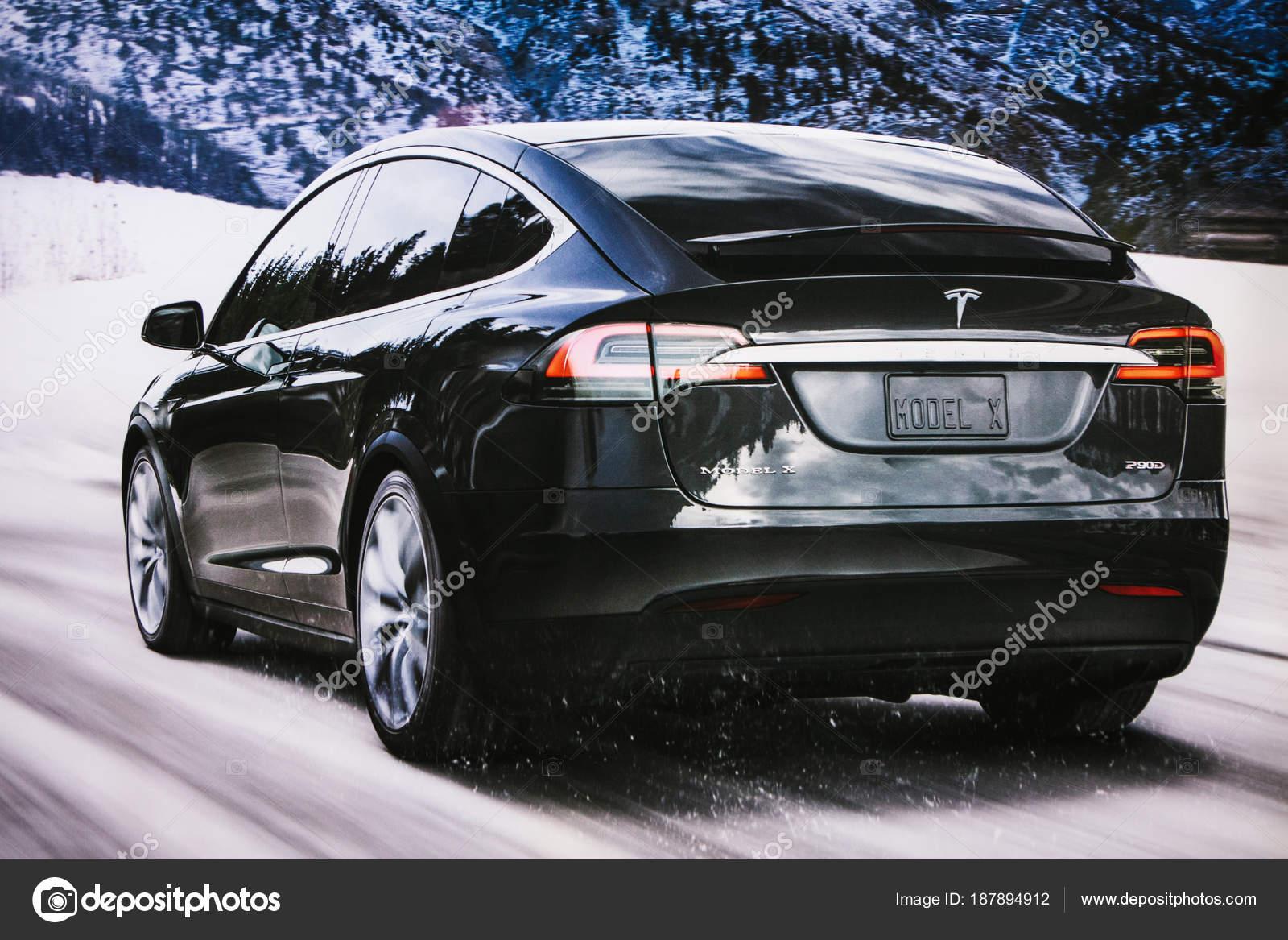 Berlin 12 Dezember 2017 Foto Des Bildes Ein Elektrofahrzeug Tesla