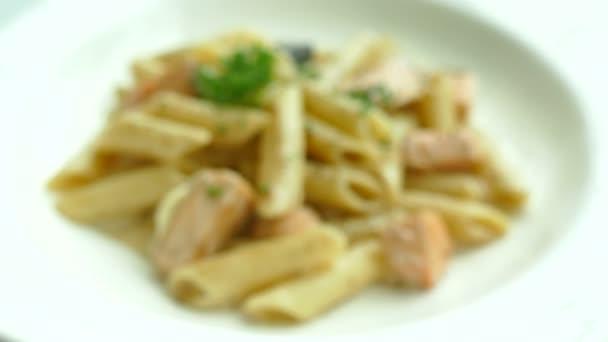 Spaghetti carbonara with salmon