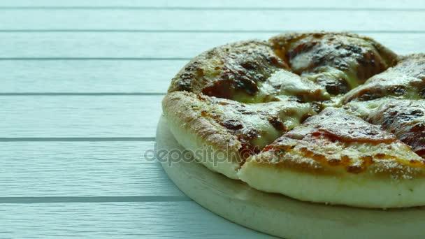 Výborná italská pizza